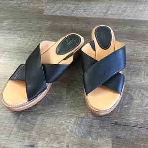 Latigo Kayda Cross Strap Wedge Sandal Black- SZ 9M